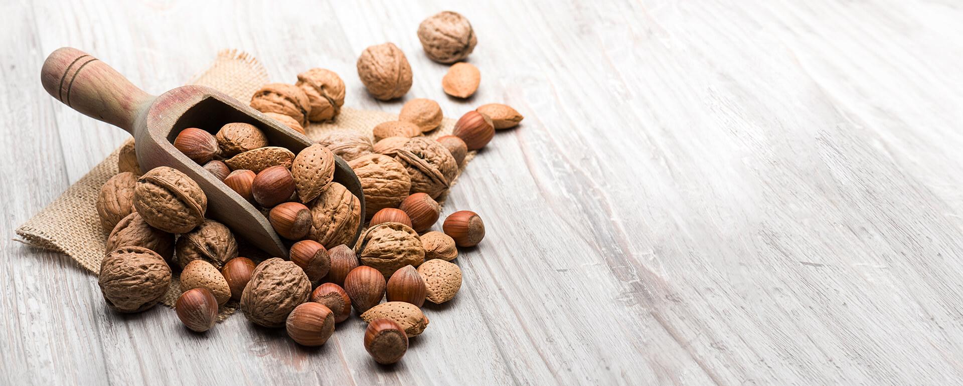 Čerstvo balené jadrá orechov chutia najlepšie a majú najviac živín. | Frutree