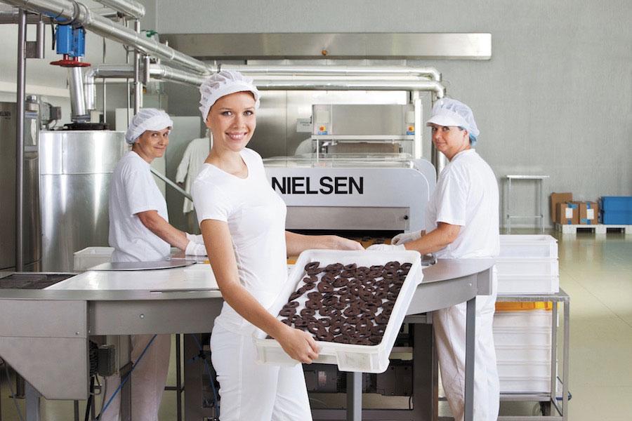 Vyrábame tabuľkové čokolády, čokoládové pralinky, ovocie a orechy v čokoláde. | Frutree